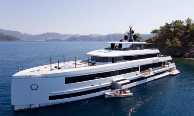 14522acce5c Iate de luxo construído em madeira custa 18 milhões